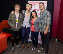 Meet and greet with r5 at power 933 davidconger back to list previous page next page m4hsunfo